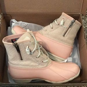 Blush Sperry Saltwater Boots new!